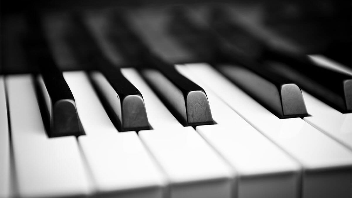 Memories of a Church Planter's Wife – Part 2: Piano Player Needed
